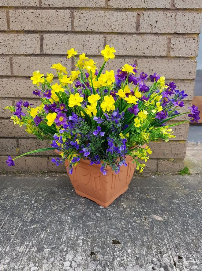 22CM SPRING Purple & Yellow Grass & Bush Arrangement